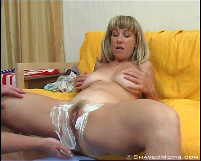 Mature shaved pussy porn